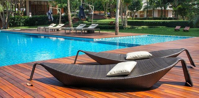 relaxace u bazénu.jpg